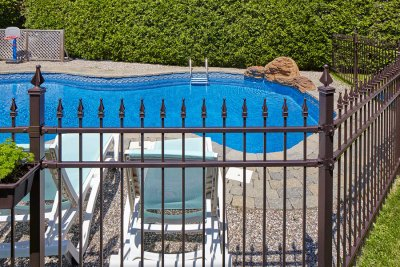 pool - fencing